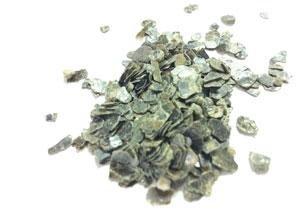 Schijfjes ruwe vermiculiet