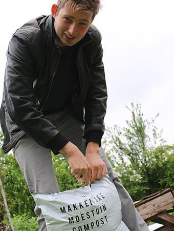 Vul de lege vakken aan met compost